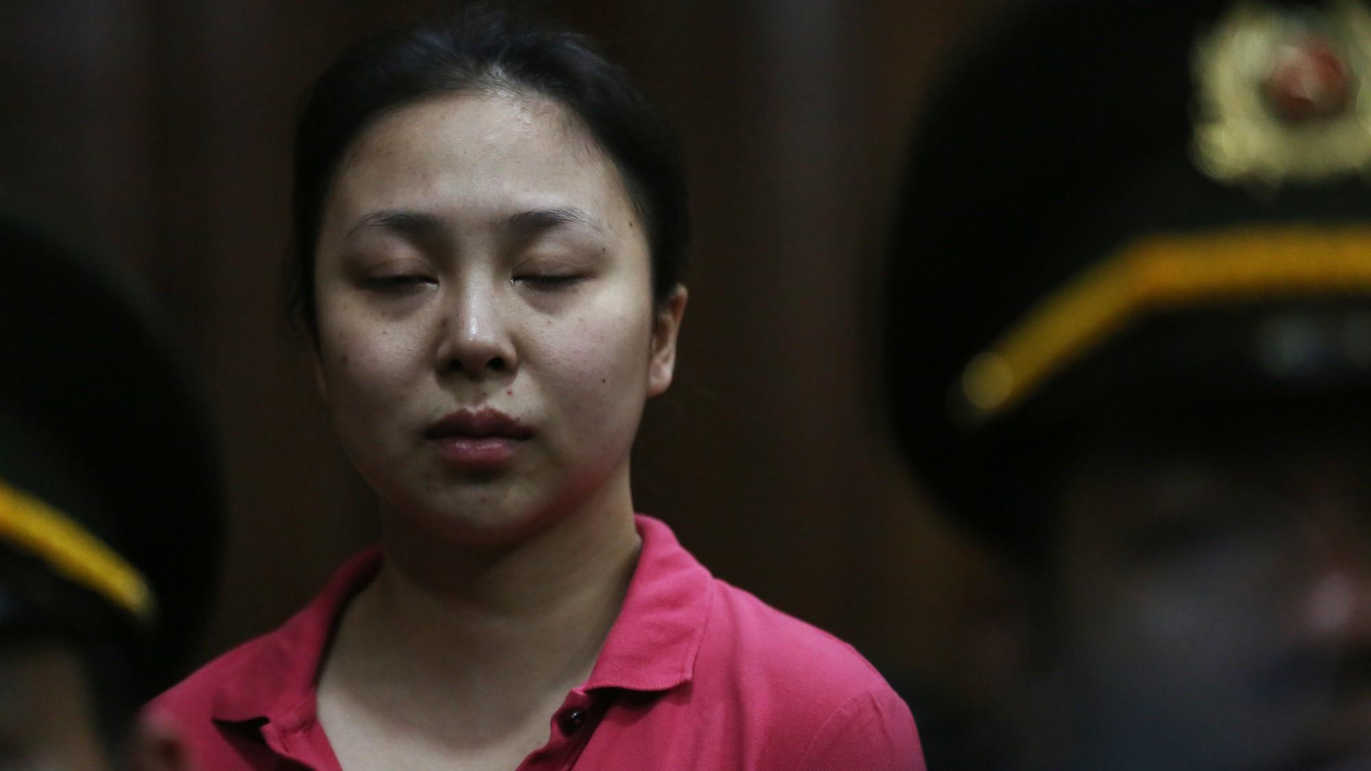 Trùm ma túy Văn Kính Dương cùng người tình Ngọc Miu tươi cười trước giờ tuyên án  - Ảnh 10.