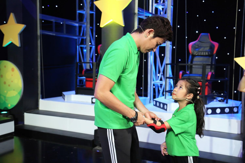 Huy Khánh bảo vệ con gái khi dân mạng nhận xét hỗn láo với bố trên sóng truyền hình - Ảnh 3.