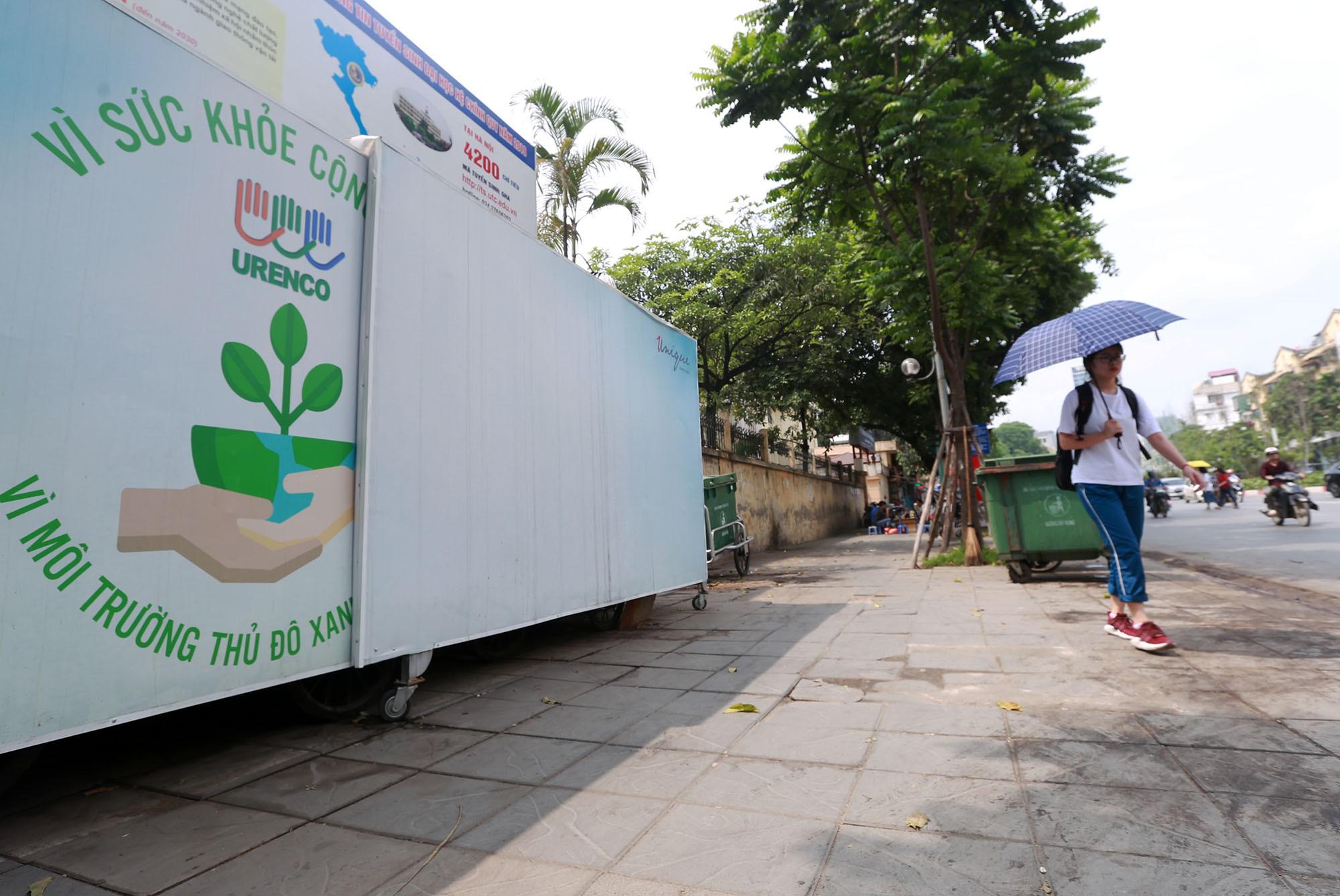 Hà Nội: Nhiều tuyến đường trang bị nhà ở di động cho xe đẩy rác - Ảnh 11.