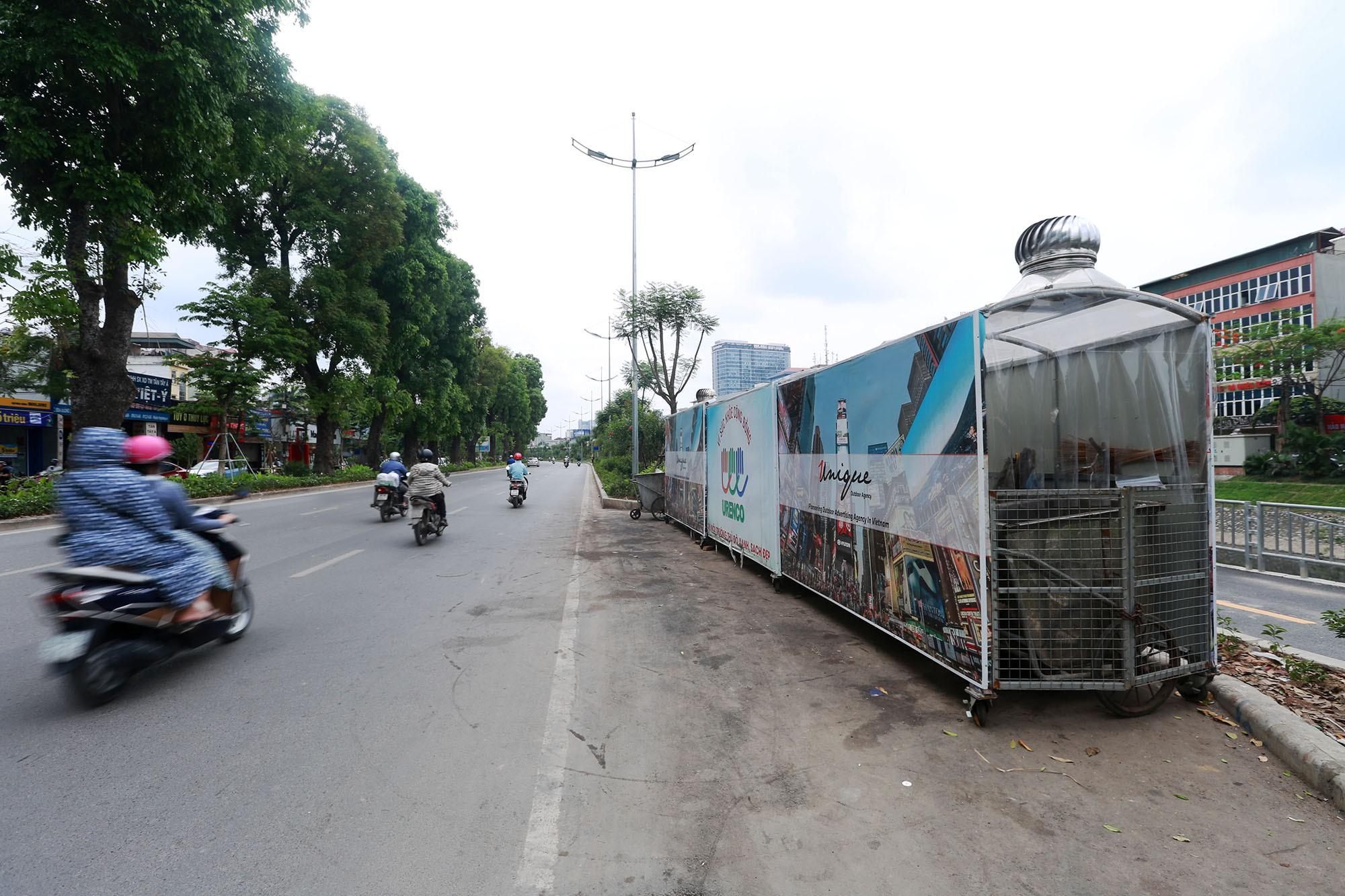 Hà Nội: Nhiều tuyến đường trang bị nhà ở di động cho xe đẩy rác - Ảnh 1.