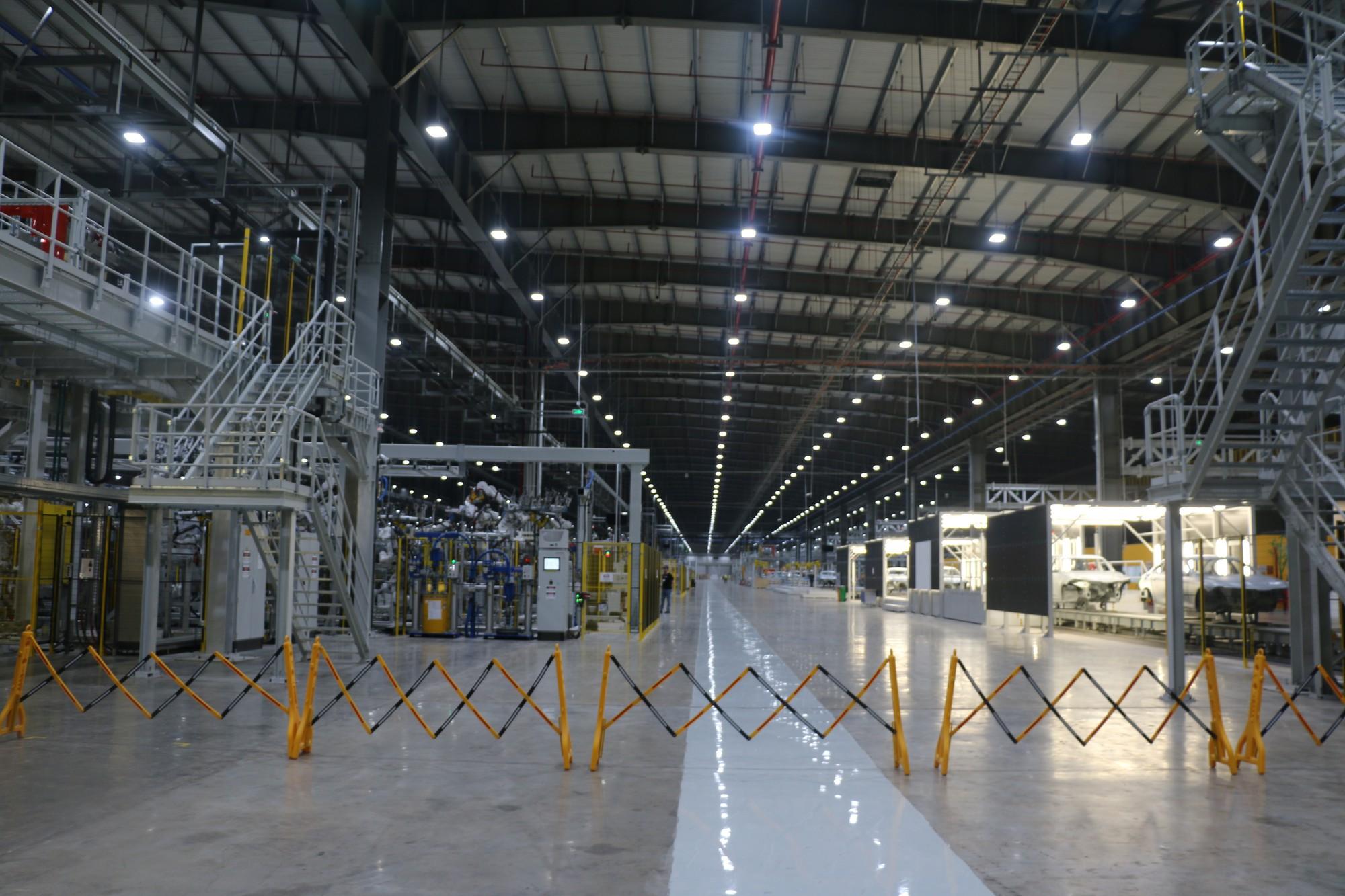 Xem quy trình lắp ráp ôtô VinFast trước ngày đi vào sản xuất thương mại - Ảnh 2.