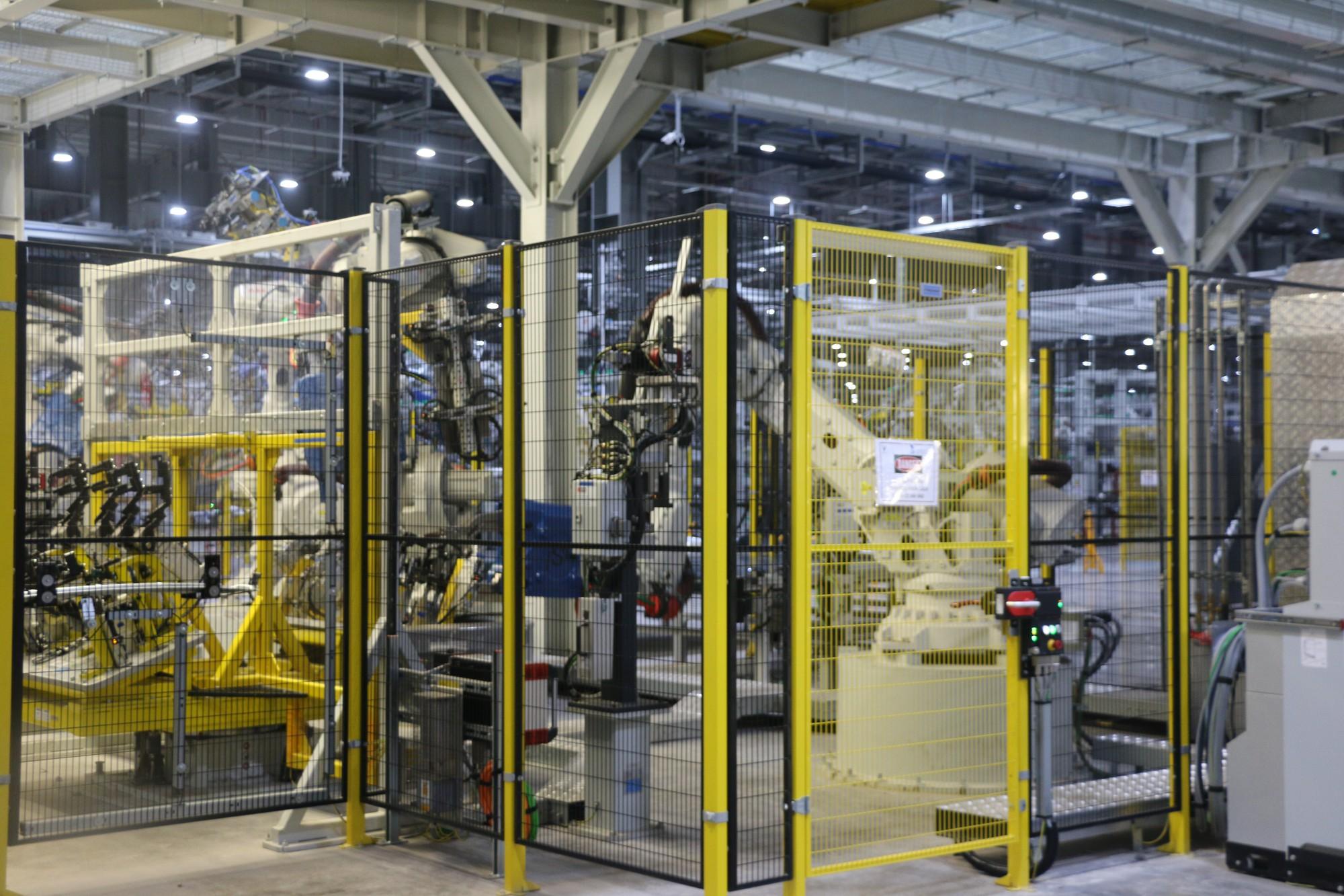 Xem quy trình lắp ráp ôtô VinFast trước ngày đi vào sản xuất thương mại - Ảnh 3.