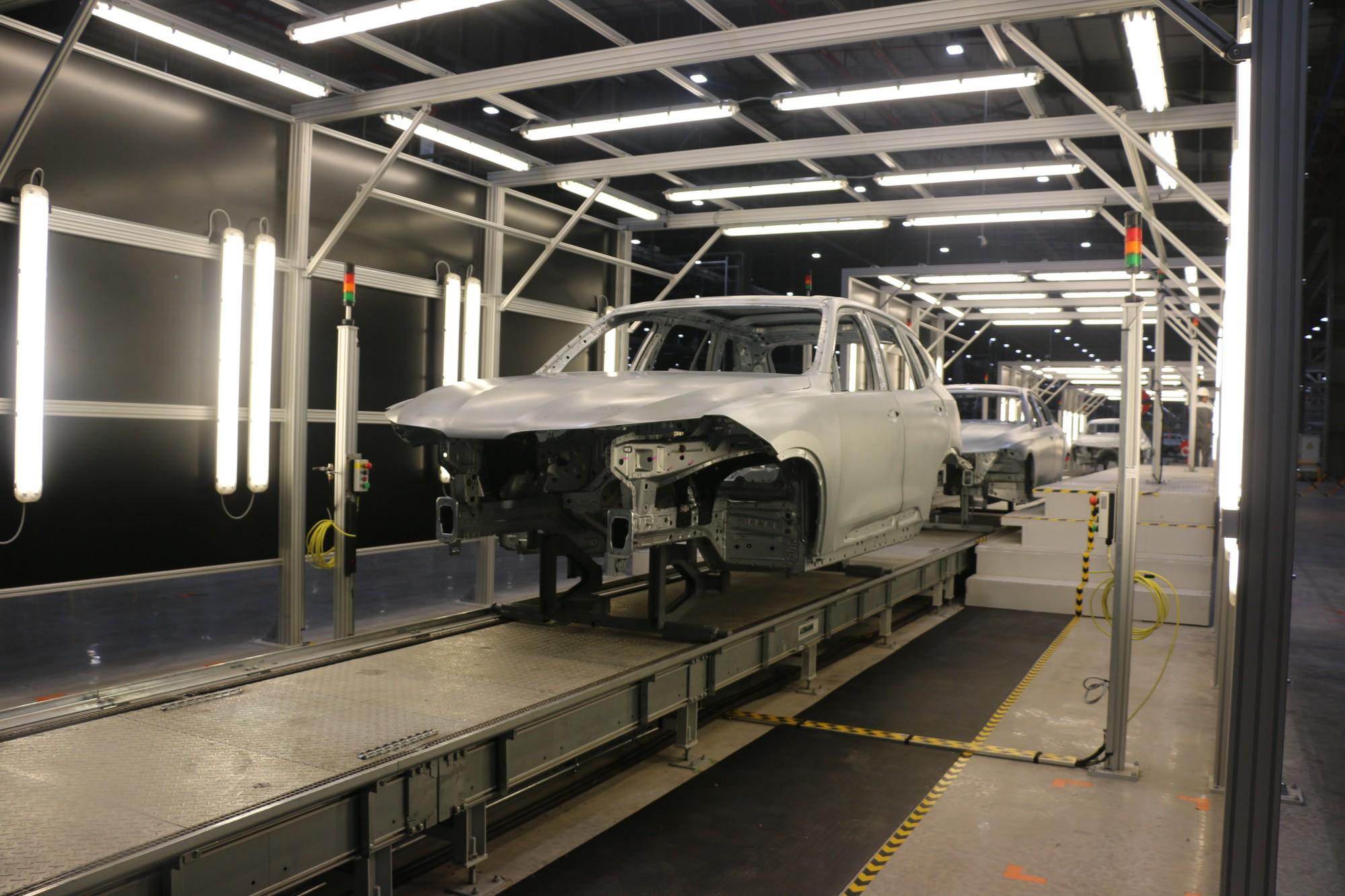 Xem quy trình lắp ráp ôtô VinFast trước ngày đi vào sản xuất thương mại - Ảnh 9.