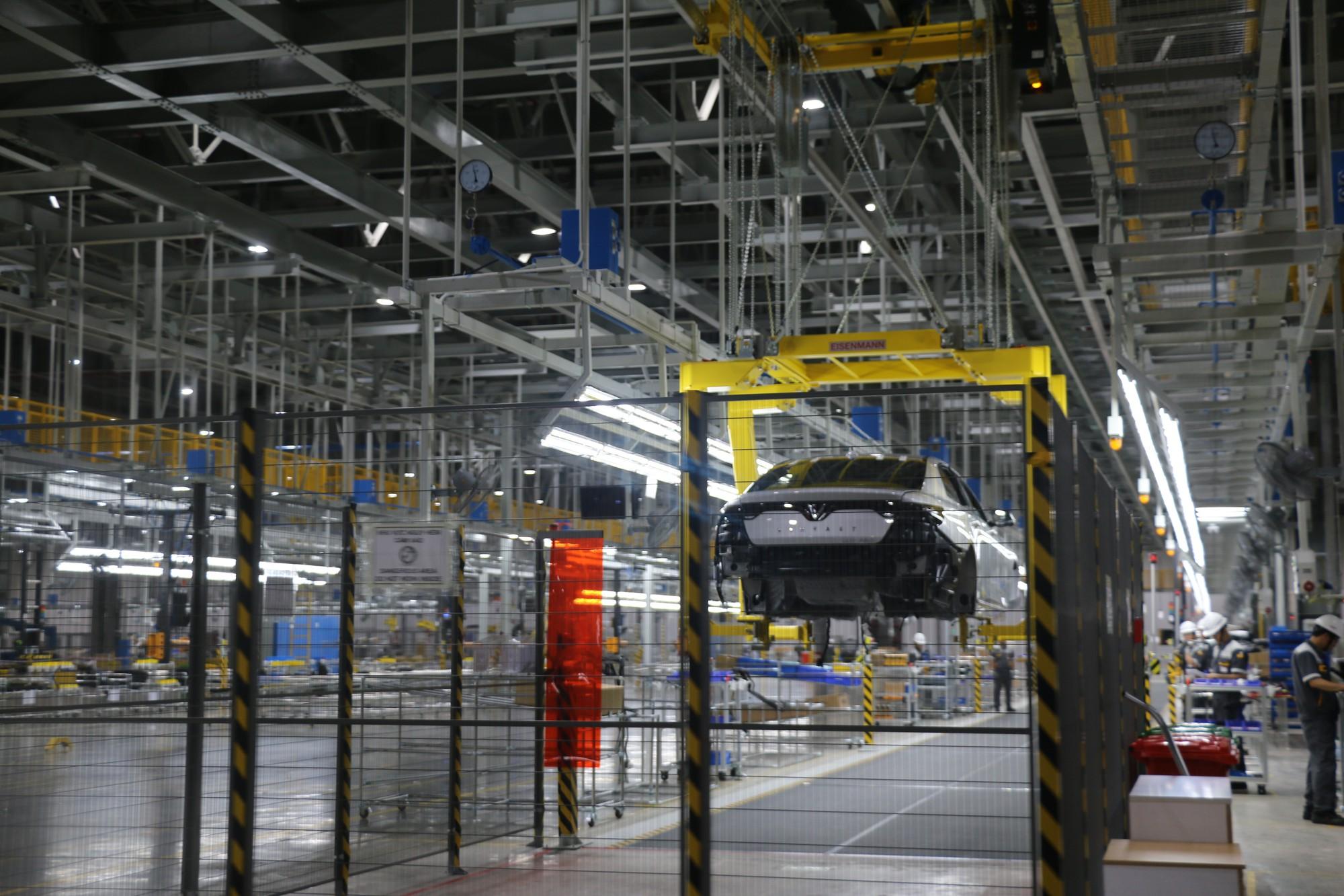 Xem quy trình lắp ráp ôtô VinFast trước ngày đi vào sản xuất thương mại - Ảnh 11.