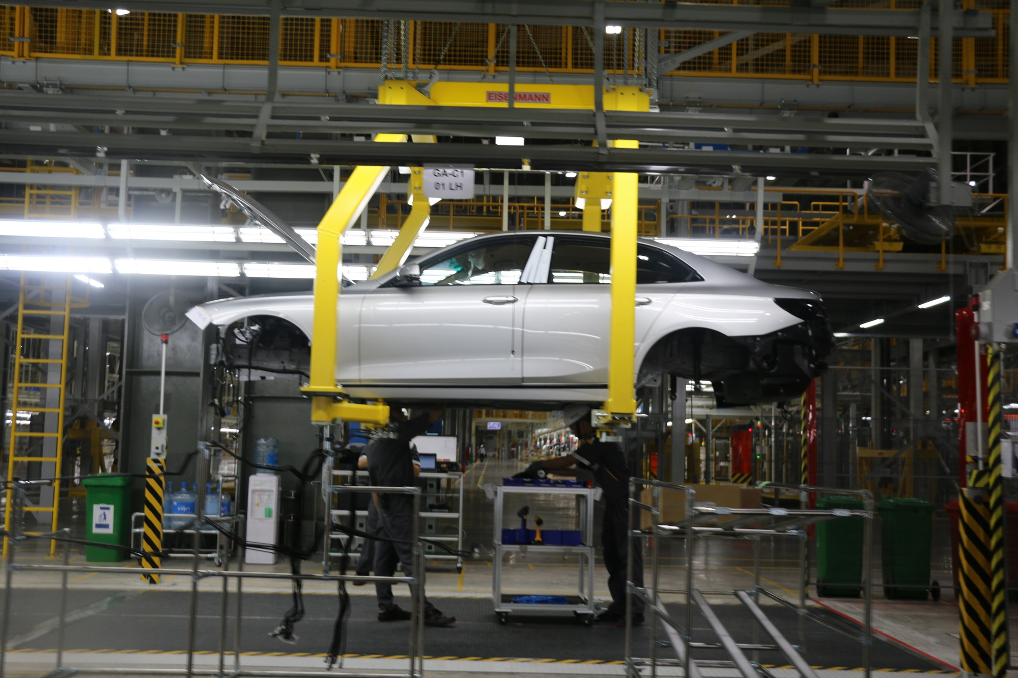 Xem quy trình lắp ráp ôtô VinFast trước ngày đi vào sản xuất thương mại - Ảnh 10.