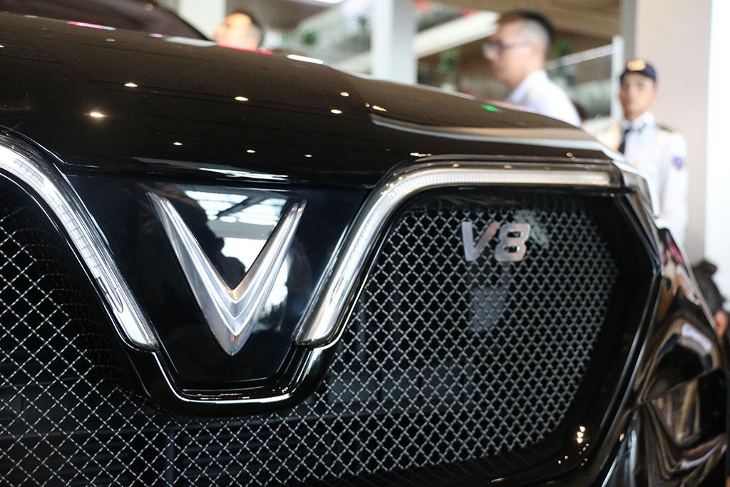 Cận cảnh chiếc LUX V8 tại nhà máy VinFast: Mẫu xe kì vọng phá kỉ lục trong dòng SUV - Ảnh 2.