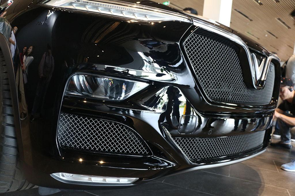 Cận cảnh chiếc LUX V8 tại nhà máy VinFast: Mẫu xe kì vọng phá kỉ lục trong dòng SUV - Ảnh 5.
