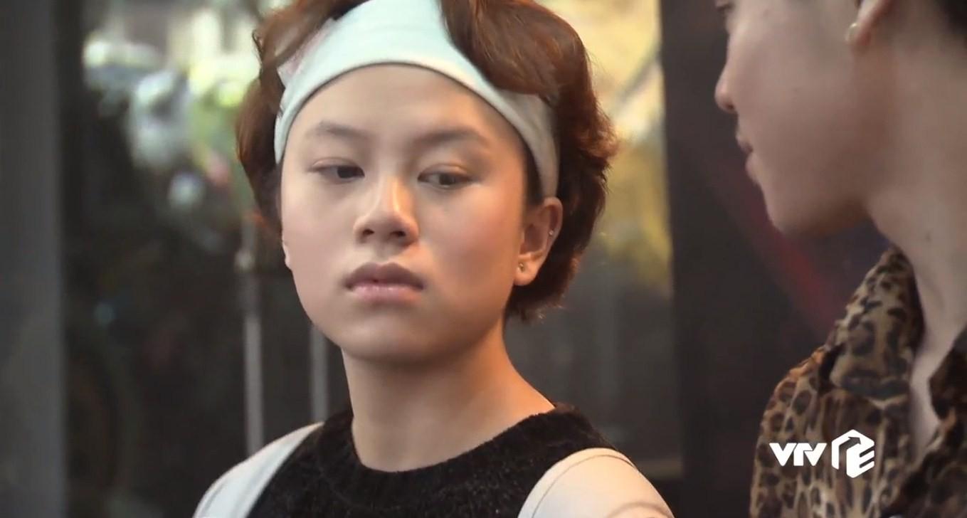 Về nhà đi con tập 22: Vũ ngỡ ngàng biết Thư còn trong trắng, Dương bỏ thi để kiếm tiền giúp chị trả nợ - Ảnh 19.