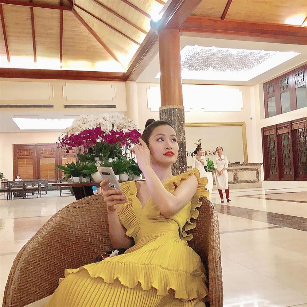 Sao Việt hôm nay (14/5): Ngọc Trinh tỏ tình bạn trai đại gia, Phạm Hương chuẩn bị tái xuất showbiz - Ảnh 6.