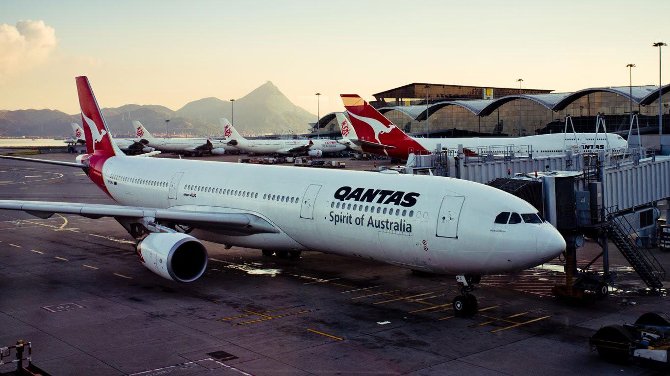 Máy bay của hãng hàng không Australia Qantas gặp sự cố hệ thống điện phải đổi hướng - Ảnh 1.