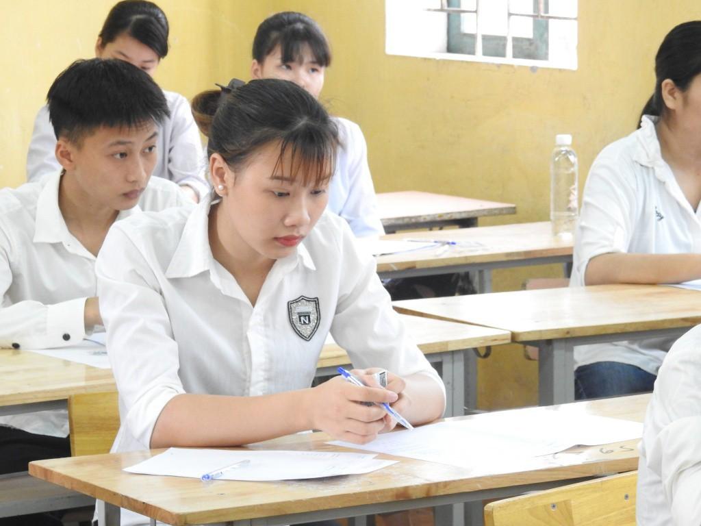 Thông tin tuyển sinh 2019 (15/5): Lộ diện các ngành được đăng kí nguyện vọng nhiều nhất, 9.000 cán bộ tham gia kì thi THPT quốc gia 2019 tại Hà Nội  - Ảnh 1.