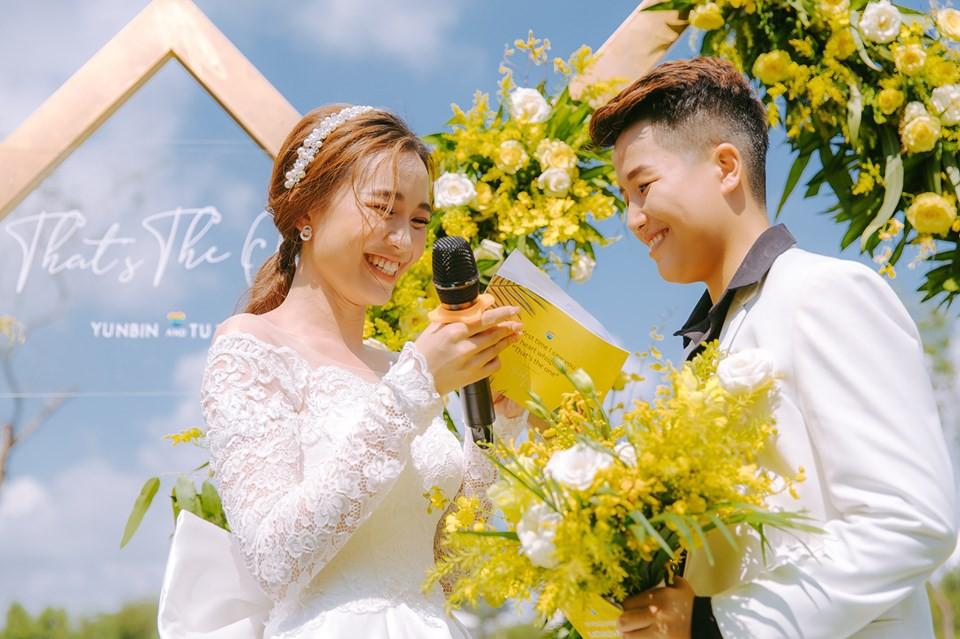 Lễ nguyện thề hạnh phúc của cặp đồng tính nữ Yun Bin và Tú Tri - Ảnh 1.