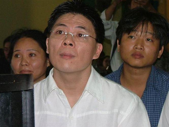 Trước khi Nhật Cường Mobile bị phát hiện buôn lậu, trốn thuế, 16 năm trước điện thoại Đông Nam cũng bị truy tố tội danh tương tự - Ảnh 3.