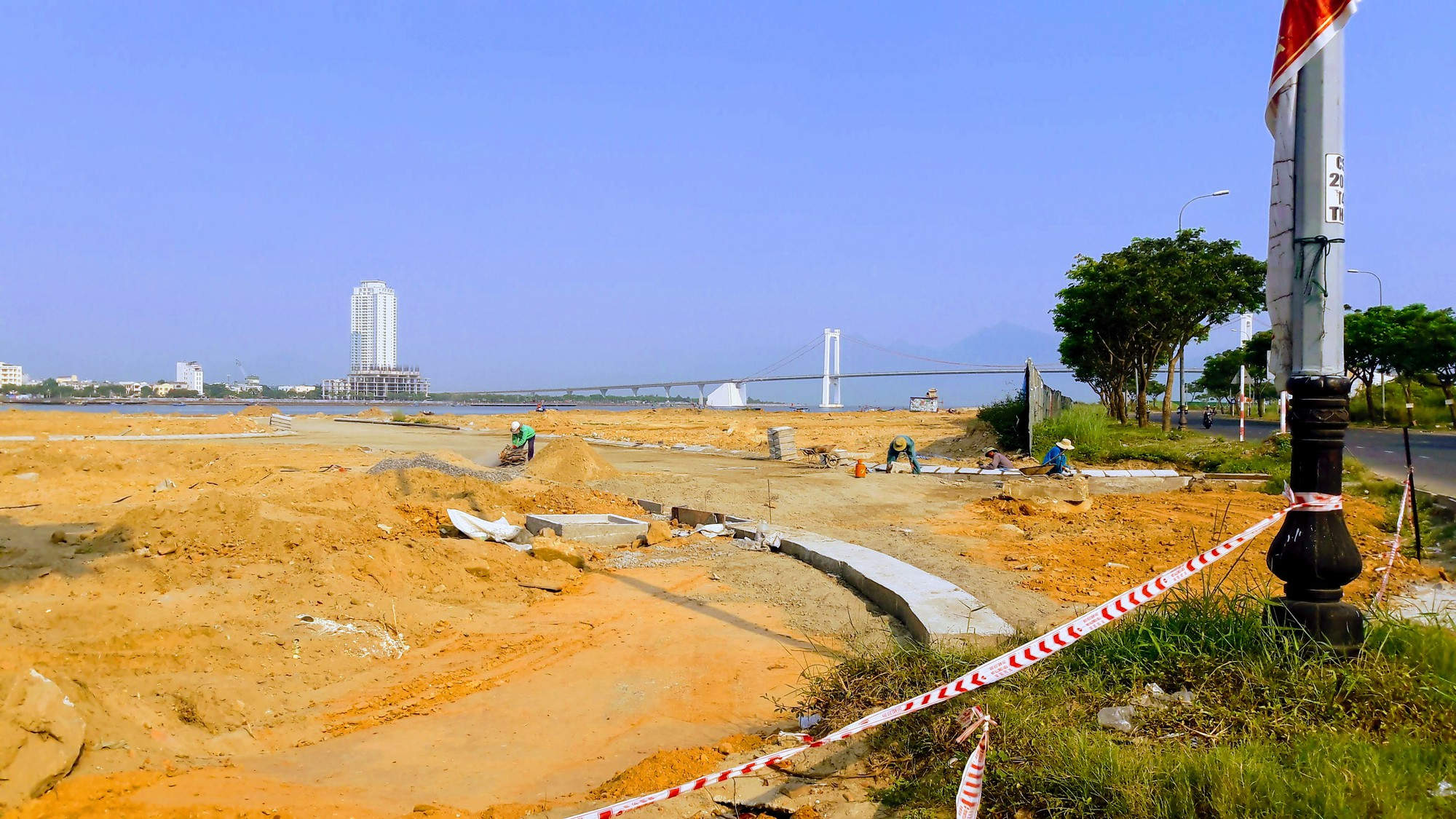 Chủ đầu tư hai dự án bất động sản lấn sông Hàn thống nhất dành khu ven sông làm công viên, lối đi bộ - Ảnh 10.