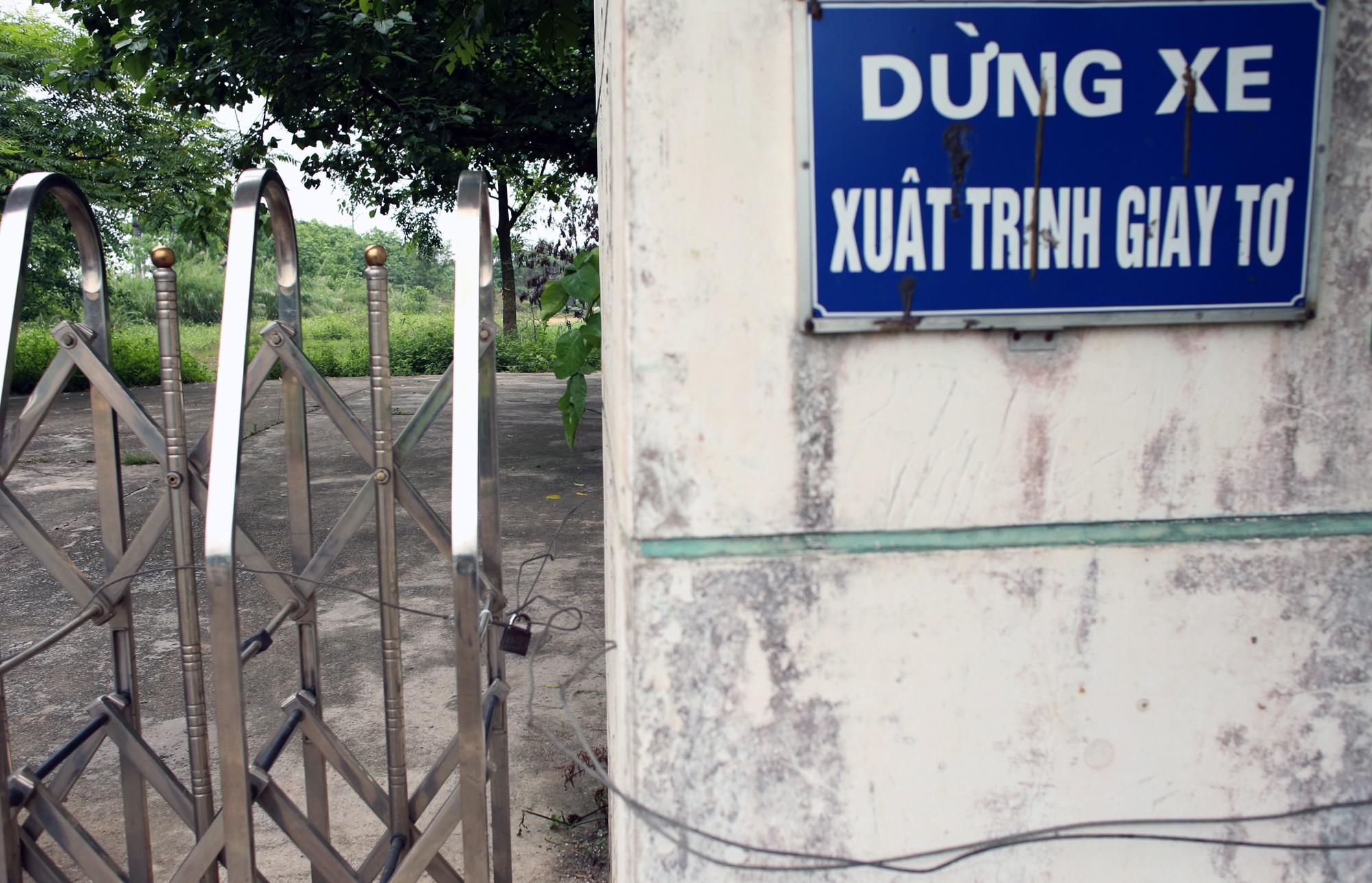Bệnh viện qui mô 1.000 giường ở Hà Nội thành nơi nuôi gà - Ảnh 4.