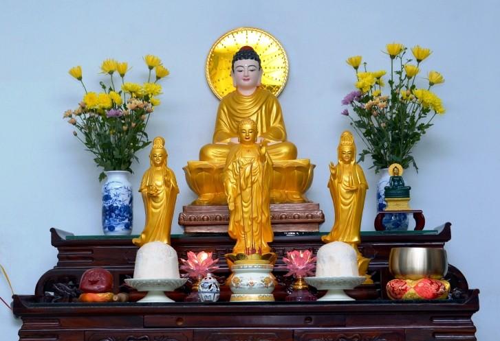 Ngày Phật Đản, Phật tử thờ Phật tại gia cần lưu ý điều gì? - Ảnh 1.