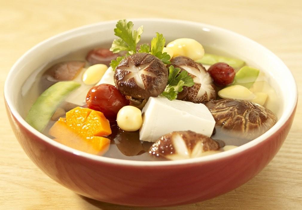 Gợi ý cách nấu mâm cơm chay hoàn hảo cho dịp Đại lễ Phật Đản - Ảnh 2.
