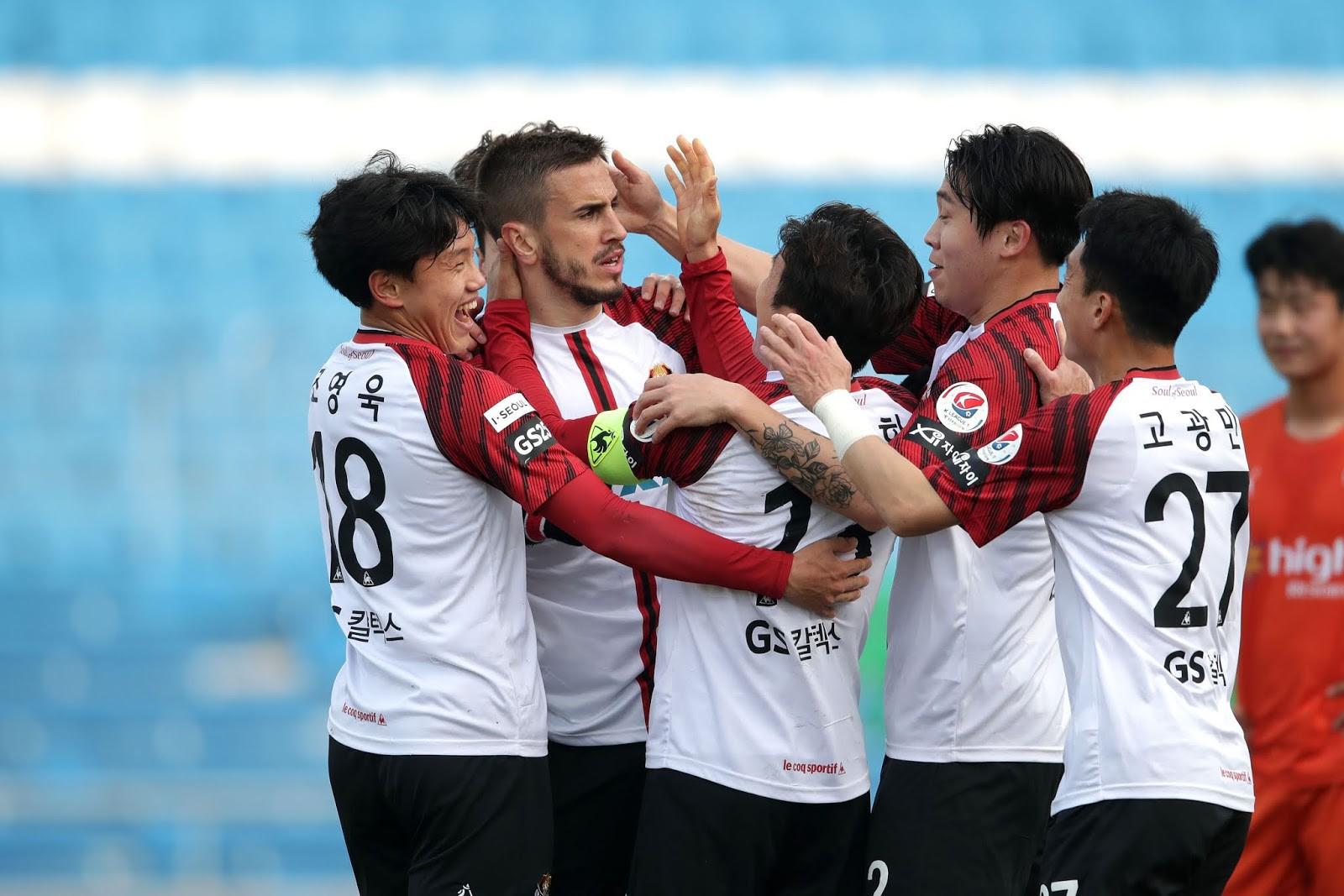 3 trận cầu vàng hôm nay (15/5): Nhận định bóng đá chuyên nghiệp - Ảnh 2.