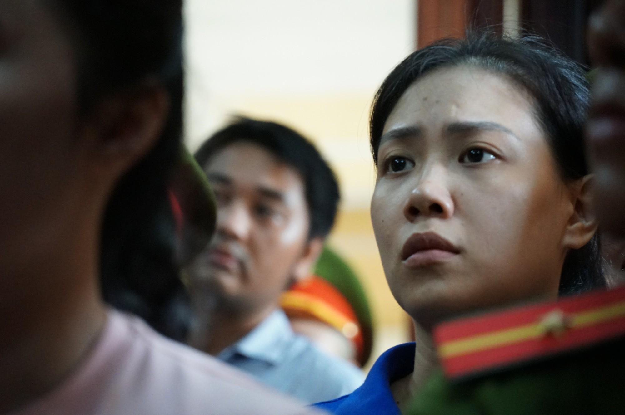 Trả hồ sơ vụ Văn Kính Dương: Người bật khóc, người vui mừng vì chưa phải chứng kiến cảnh con bị tuyên án tử - Ảnh 5.