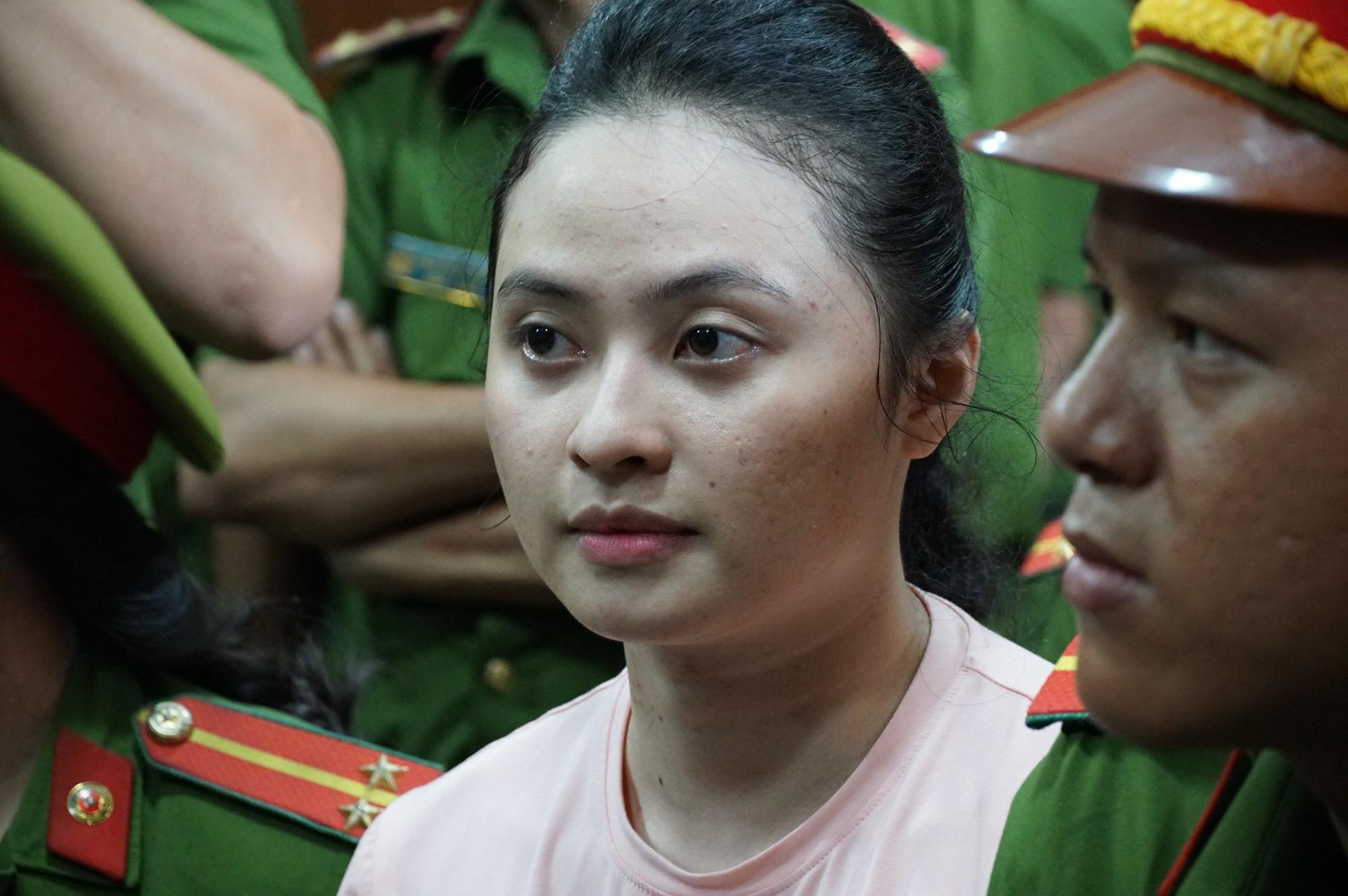 Trả hồ sơ vụ Văn Kính Dương: Người bật khóc, người vui mừng vì chưa phải chứng kiến cảnh con bị tuyên án tử - Ảnh 2.