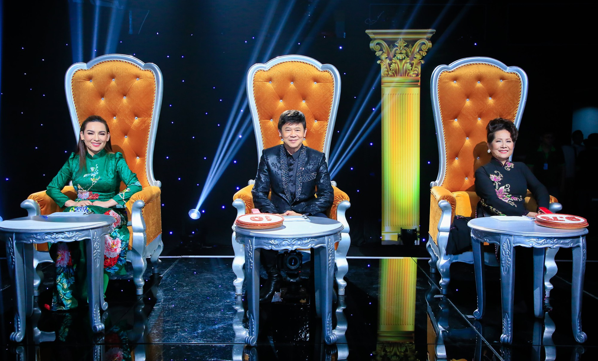 Từng thề không nhìn mặt, Phi Nhung nói gì khi ngồi ghế nóng cùng danh ca Phương Dung? - Ảnh 3.