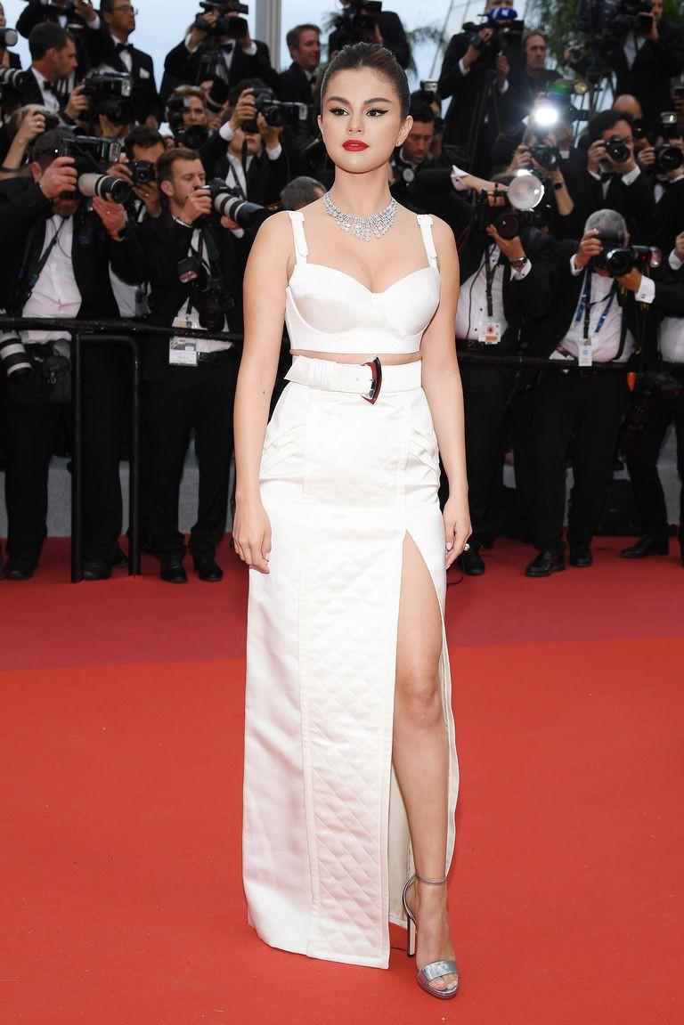 Thảm đỏ LHP Cannes 2019: Màn chặt chém váy áo của những siêu sao quốc tế  - Ảnh 1.