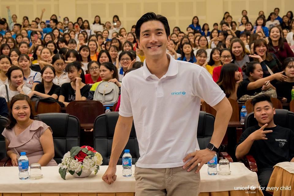 Ca sĩ Choi Siwon: Hoàng tử đời thật với xuất thân hoàng gia, sở hữu gia tài khủng đứng thứ 2 làng giải trí Hàn - Ảnh 11.