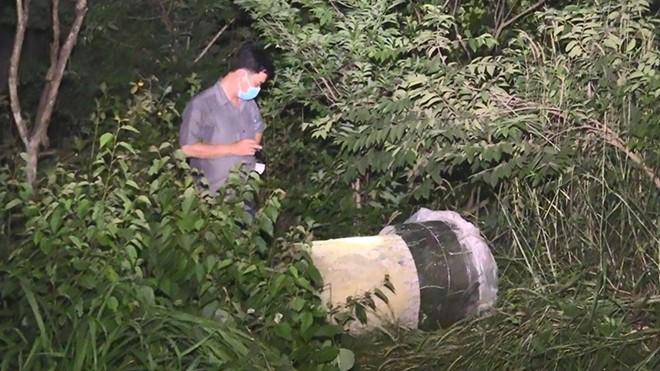 Hiện trường nghi án 2 thi thể nam giới trong bồn nhựa lấp đầy bê tông - Ảnh 5.
