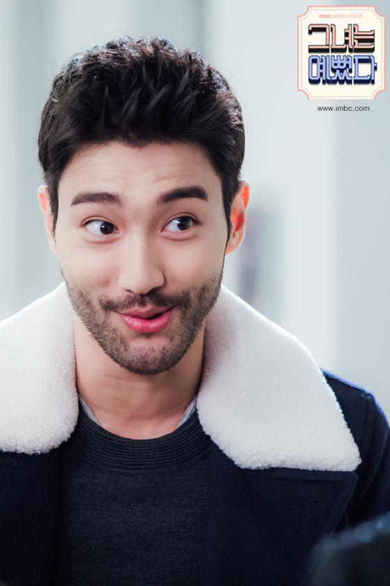 Ca sĩ Choi Siwon: Hoàng tử đời thật với xuất thân hoàng gia, sở hữu gia tài khủng đứng thứ 2 làng giải trí Hàn - Ảnh 7.