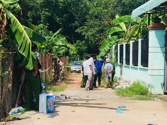 Hiện trường nghi án 2 thi thể nam giới trong bồn nhựa lấp đầy bê tông - Ảnh 7.