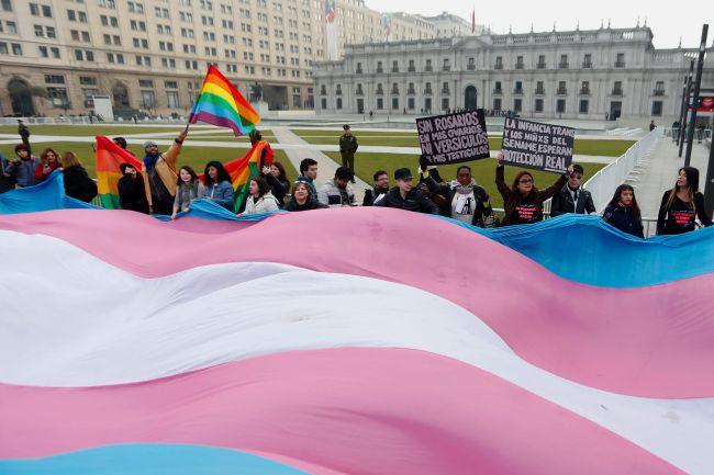 Cộng đồng LGBT thế giới hôm nay (16/5): Cặp đồng tính Đài Loan (Trung Quốc) vẫn lên kế hoạch cho đám cưới ngay cả khi luật pháp chưa quyết định cụ thể - Ảnh 2.