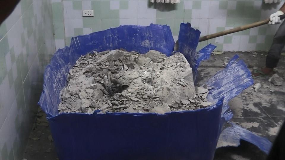 Lí giải nguyên nhân thi thể trong khối bê tông không bị phân hủy mạnh sau nhiều tháng - Ảnh 3.