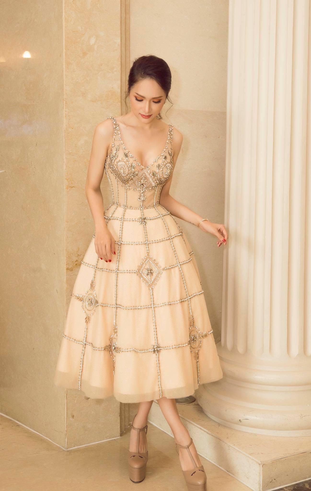Những chiếc váy giúp Hoa hậu Hương Giang nâng tầm đẳng cấp  - Ảnh 7.