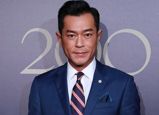 Choáng ngợp trước khối tài sản khổng lồ của tài tử TVB Cổ Thiên Lạc - Ảnh 2.