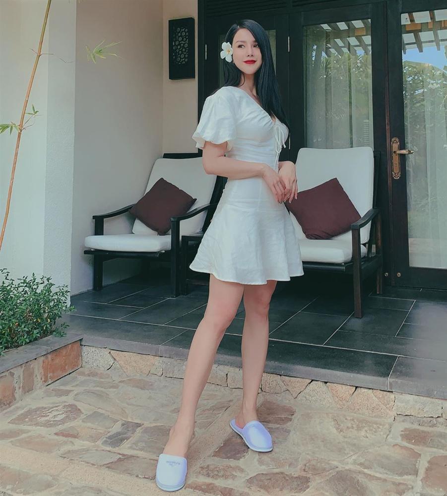 Sao Việt hôm nay (17/5): Hương Tràm tắt điện thoại; Nam Thư đáp trả antifan chỉ trích cô vô duyên khi làm MC Bạn muốn hẹn hò - Ảnh 5.
