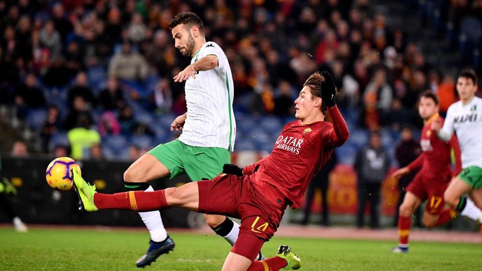 Dự đoán kết quả bóng đá hôm nay, Sassuolo vs Roma (01h30 19/05): Vòng 37 giải Serie A - Ảnh 1.