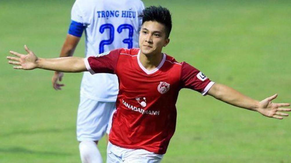 Cầu thủ Việt kiều từng làm khổ U18 Việt Nam lại ghi điểm với thầy Park - Ảnh 1.