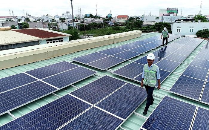 Hướng dẫn đăng kí lắp đặt điện mặt trời trên mái nhà - Ảnh 1.