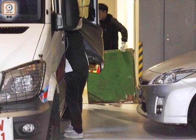 Khối bê tông chứa xác người trong phòng khách ở Hong Kong - Ảnh 2.