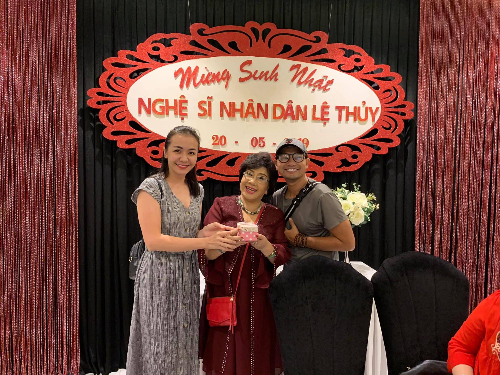 Dàn sao Việt tưng bừng mừng sinh nhật NSND Lệ Thủy - Ảnh 4.
