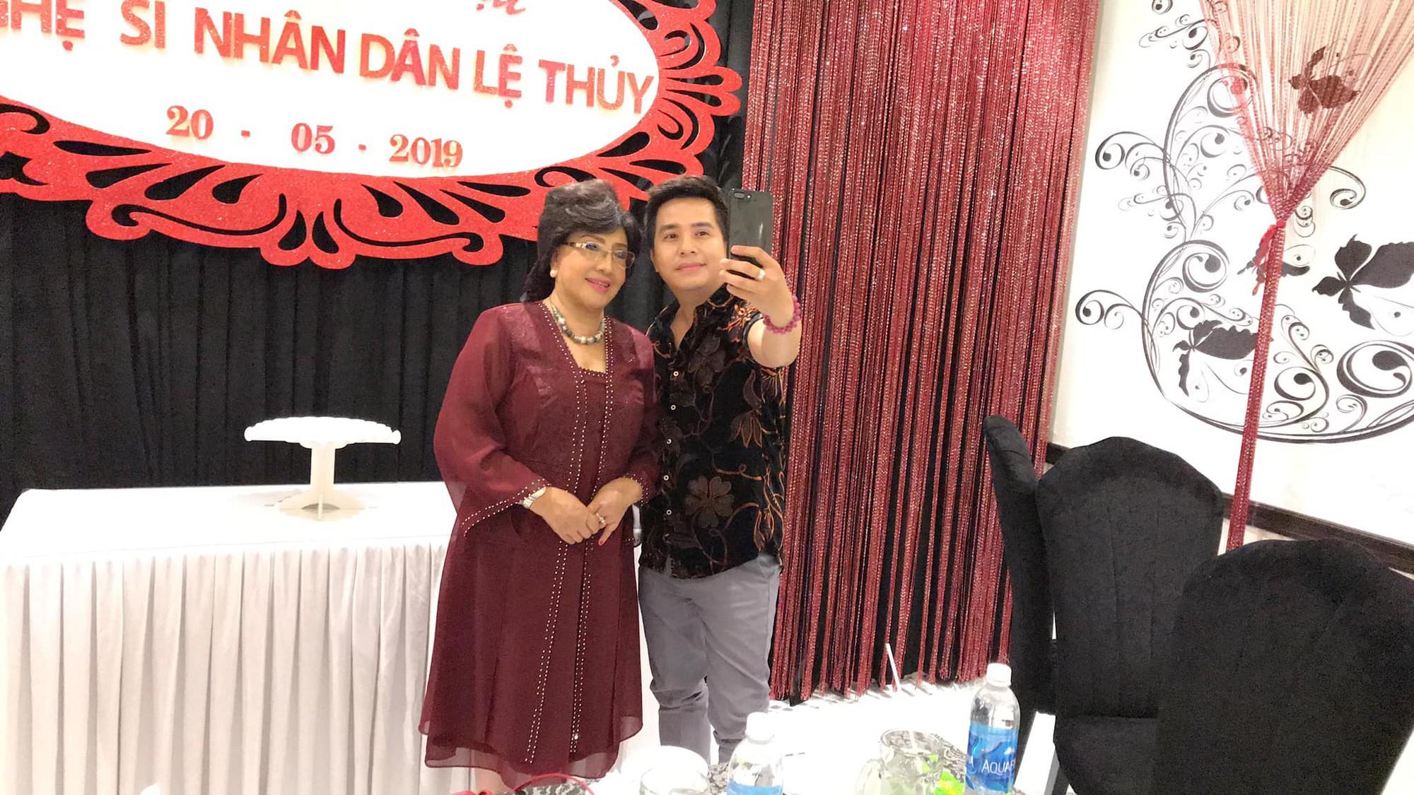 Dàn sao Việt tưng bừng mừng sinh nhật NSND Lệ Thủy - Ảnh 1.