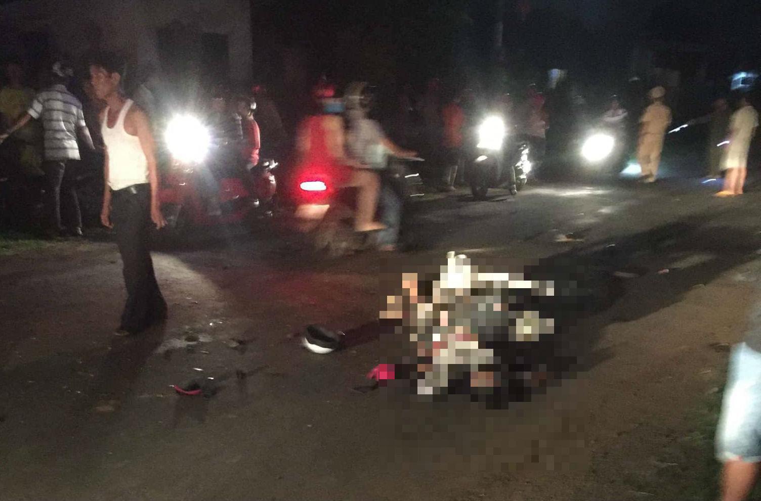 Tông vào xe máy kéo không biển số, hai thanh niên tử nạn - Ảnh 1.