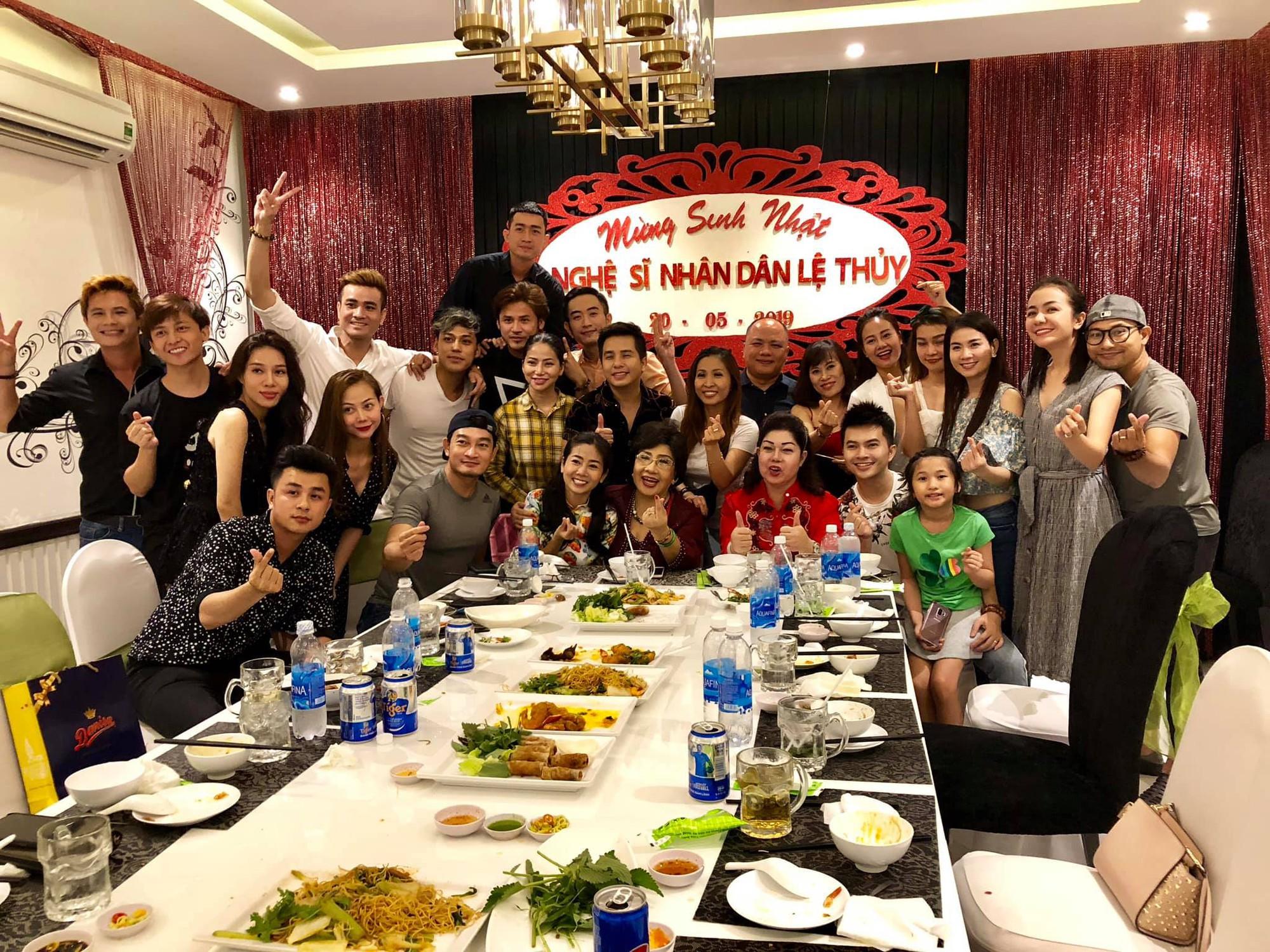 Dàn sao Việt tưng bừng mừng sinh nhật NSND Lệ Thủy - Ảnh 5.