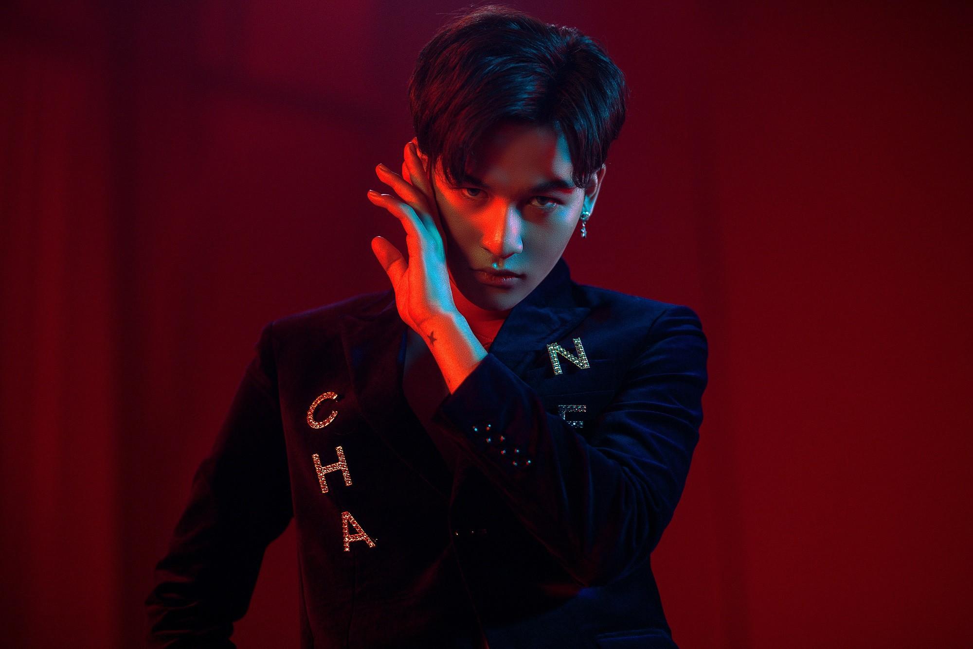 Ali Hoàng Dương lột xác cá tính trong album đầu tay sau 2 năm đăng quang The Voice 2017 - Ảnh 1.