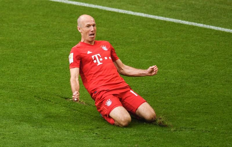 """Chùm ảnh Bayern Munich đăng quang Bundesliga ngày chia tay """"Robbery"""" - Ảnh 3."""