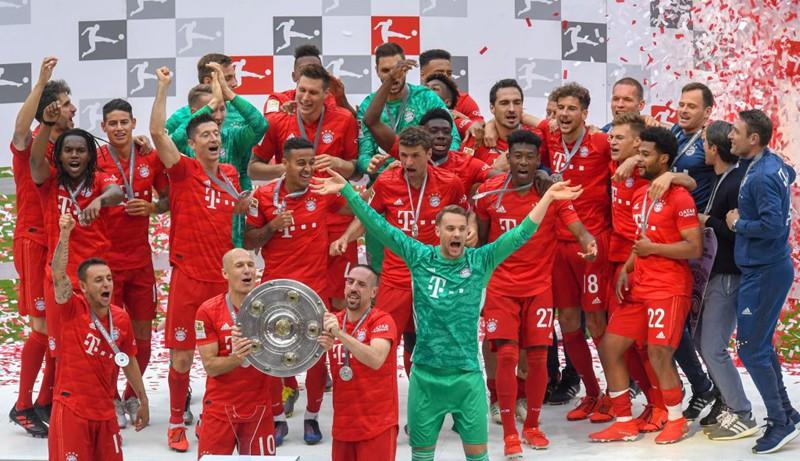 """Chùm ảnh Bayern Munich đăng quang Bundesliga ngày chia tay """"Robbery"""" - Ảnh 5."""