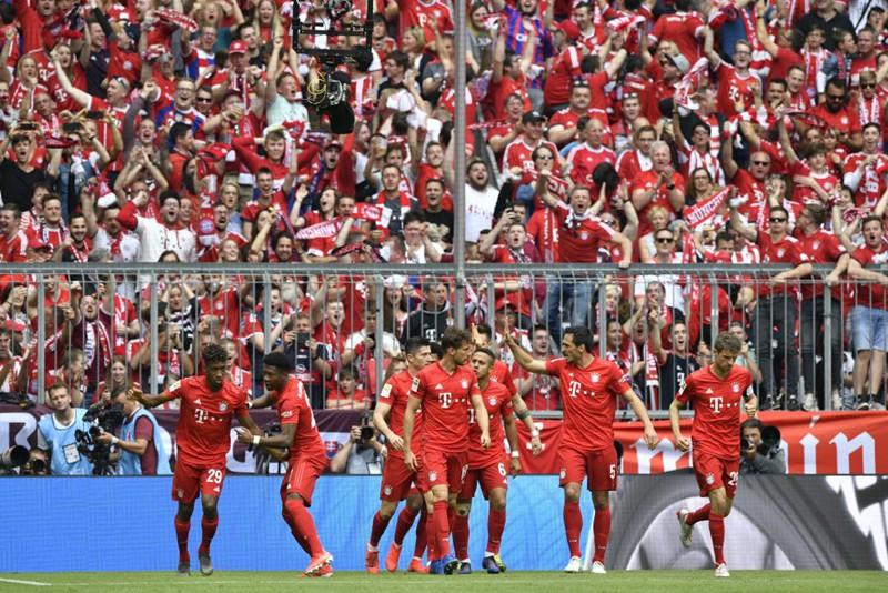 """Chùm ảnh Bayern Munich đăng quang Bundesliga ngày chia tay """"Robbery"""" - Ảnh 6."""