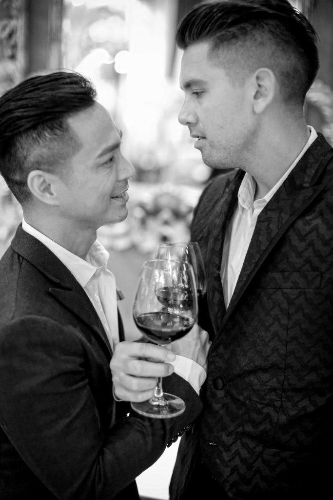 Bộ ảnh đẹp như mơ tại Việt Nam của cặp đôi đồng tính nổi tiếng đến từ Philippines - Ảnh 10.
