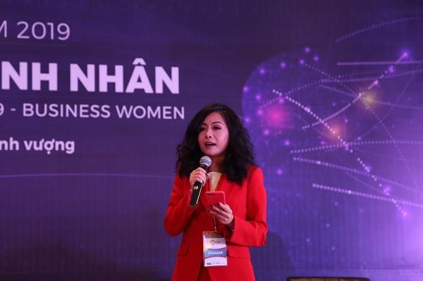 Bà Trần Uyên Phương: Tôi tự hào được là phụ nữ, được tỏa sáng ở những nơi toàn nam giới - Ảnh 1.