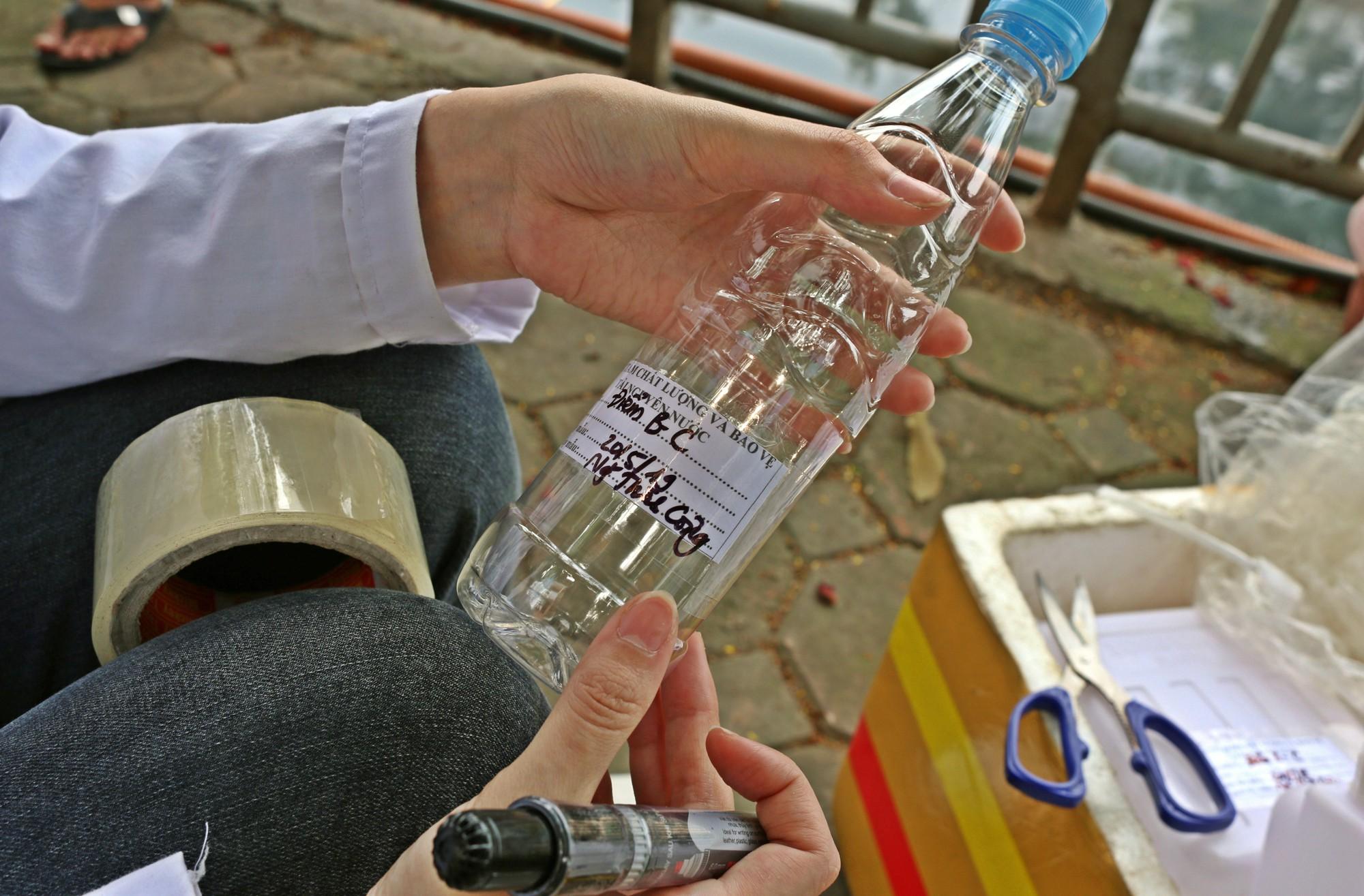 Sau ba ngày thí điểm công nghệ Nhật Bản, sông Tô Lịch thế nào? - Ảnh 9.